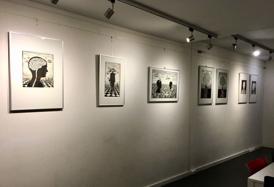 Vernissage whitout Pictures